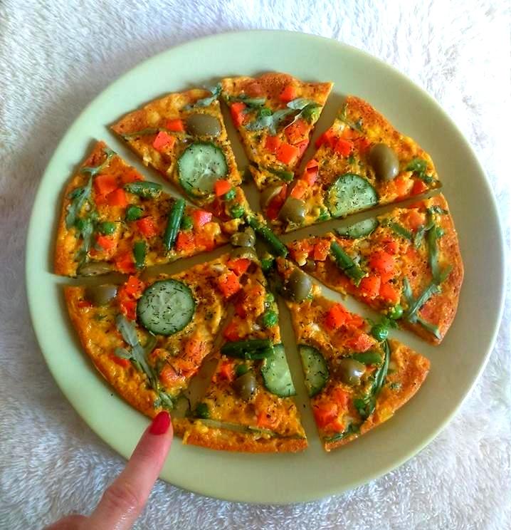 Przepis na szybką pizzę z patelni