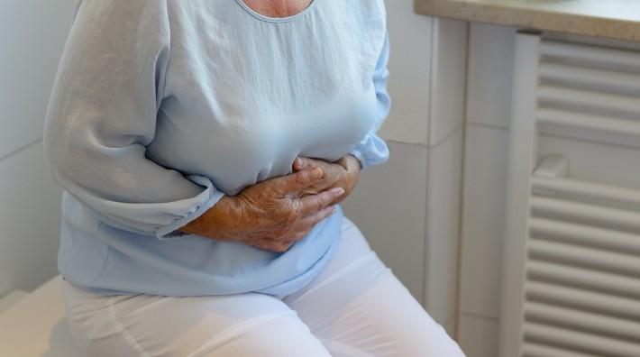 Co łączy endometriozę z zespołem jelita nadwrażliwego?